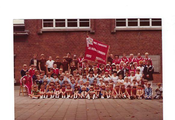 100 Groepsfoto 1981